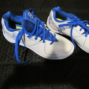 Under Armour Size 9 Blue Whit